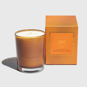 TRUE GRACE-Curious Amber Classic Candle