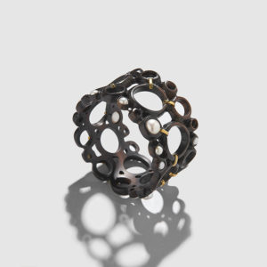 MARLEN HT-Ebony and Pearls Bracelet
