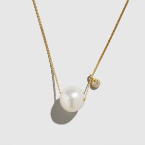 DOLLY BOUCOYANNIS-Pearl-Big Diamond Necklace