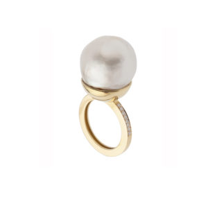 Dolly Boucoyannis Gold Diamonds Peal Ring DBR77