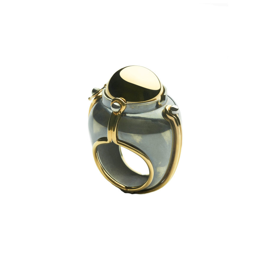 Elie Top Silver Onyx Diamonds Scaphandre Ring