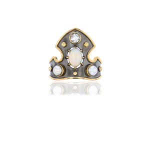 Elie Top Yellow Gold Opal Blason Ring
