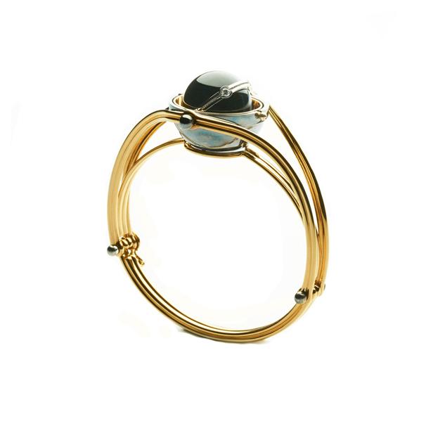 Elie Top Yellow Gold Onyx Diamonds Sphere Bracelet