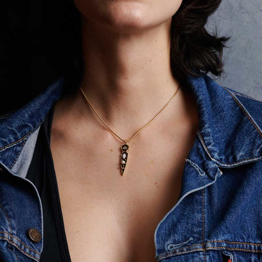 Elie Top Stilet Yellow Gold Opal Pendant on model