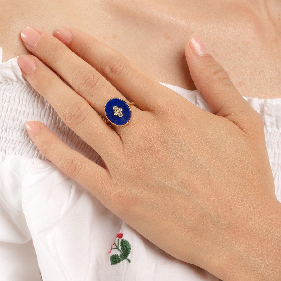 Maison Artaner La Rose des Alizes Ring on model