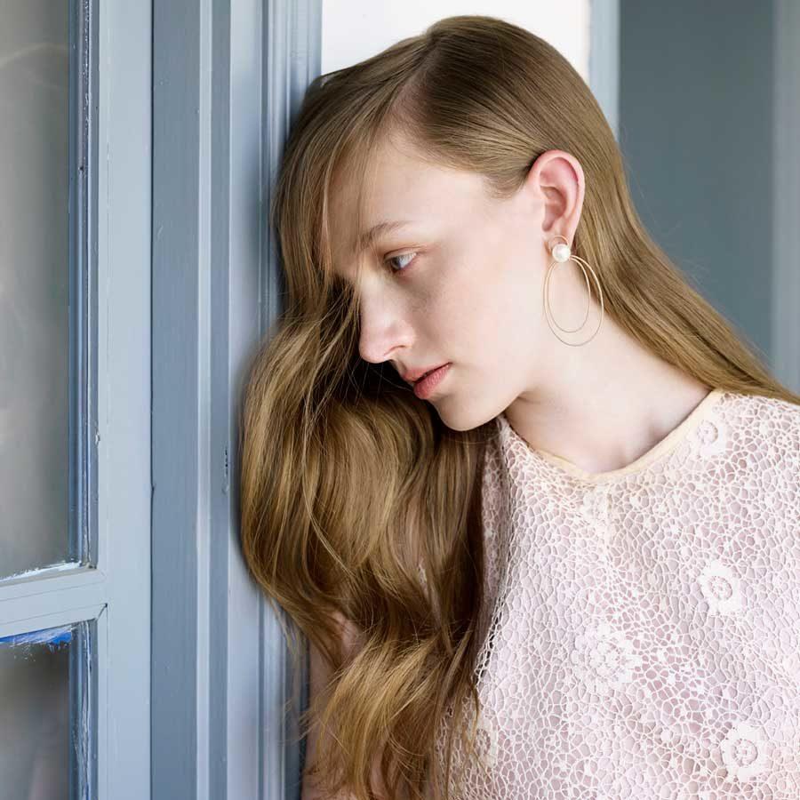 Penelope Cypria Earrings on model PFJ.CYE002.YG