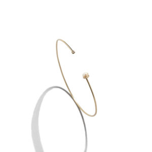 Eikosi Dyo Pearl Diam Bangle