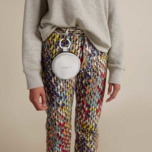 Simon Miller CIRCLE POP POUCH WHITE CRACKLE SM.SM.S8117028 on model