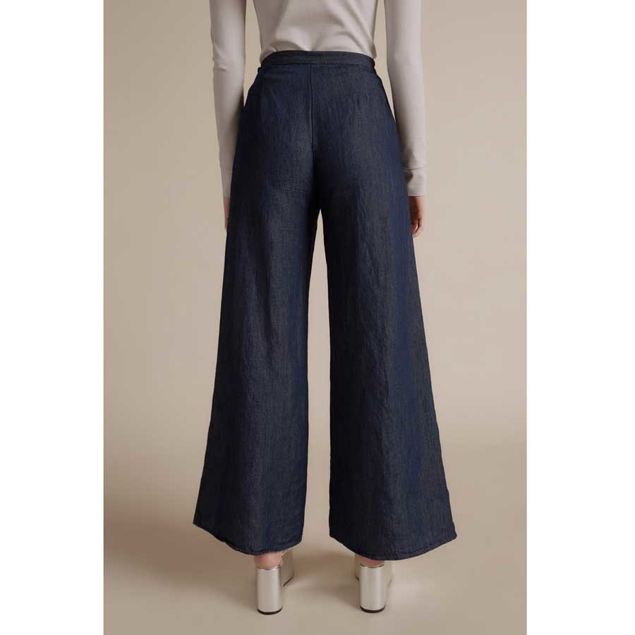 Simon Miller W008 High Rise Wide Jeans on model SM.W0081114