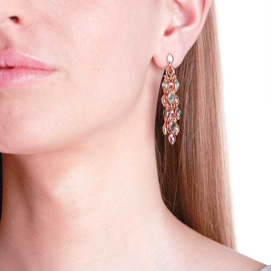 Marie Mas Swinging Winging Short Earrings