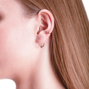 Marie Mas Swinging Diamond Ear Jewel S on model