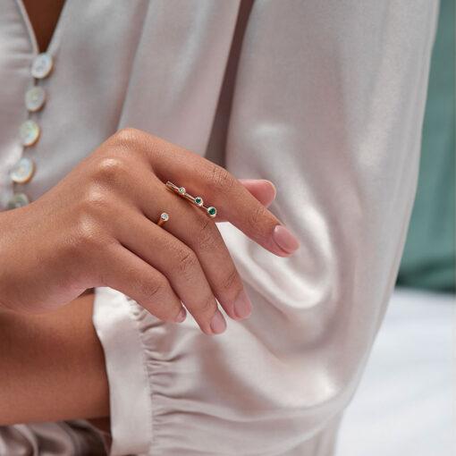 Emerald-Dancing-Diamond-Open-Ring-Web-1400х1400px